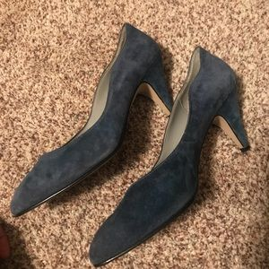 Blue suede scalloped edge heels